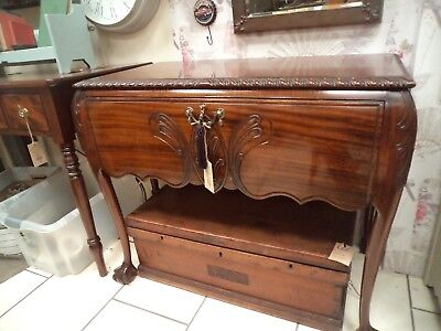 Beautiful quality solid mahogany table hall sideboard Chippendale style