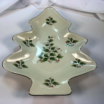 Royal Limited Holly Holiday Japan Large Christmas Tree Shaped Dish