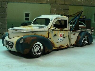 Built 41 Willys Pickup Tow Truck Mobil Gas Wrecker Weathered Rat Rod Diorama