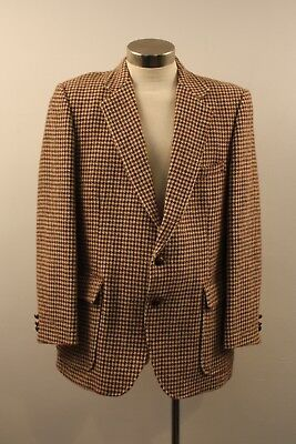 MEDIUM / LARGE, MENS ORIGINAL VINTAGE 1960s TWEED JACKET.