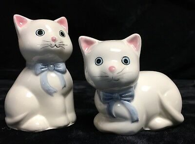 Vintage Porcelain Ceramic Salt & Pepper Shakers - White Cat Kitten PURRFECT!!