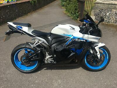 2009 (59) Honda CBR600 RR-9 Splash Edition - SuperSports - White - 16111 miles