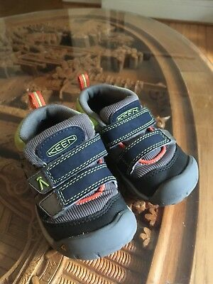 KEEN Newport Sandals Baby Toddler Gray Sport Water Friendly Closed Toe Size 6