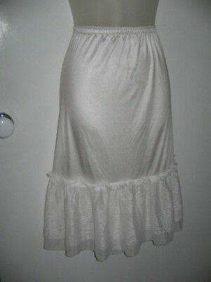 Eplisse Size 20 White Elastic Pull-On Waist Petticoat Frills Around Hemline Poly