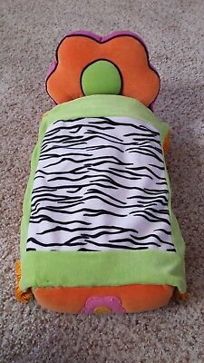 """GROOVY GIRLS RETRO DOLL BED 14"""" x 7"""" From 2001"""