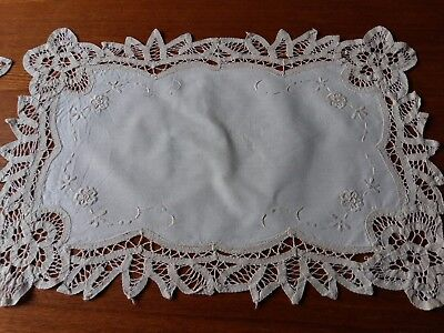 ANTIQUE Vintage SET of 2 parts Cutwork Embroidery Table Runners Battenburg Lace