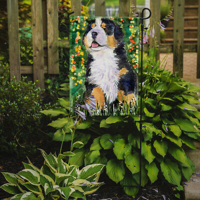 Carolines Treasures  SS8955GF Bernese Mountain Dog Flag Garden Size