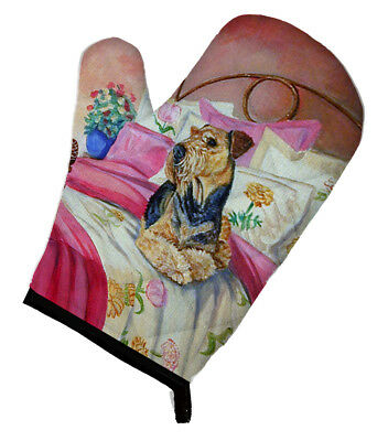 Carolines Treasures  7006OVMT Airedale Waiting on Mom Oven Mitt