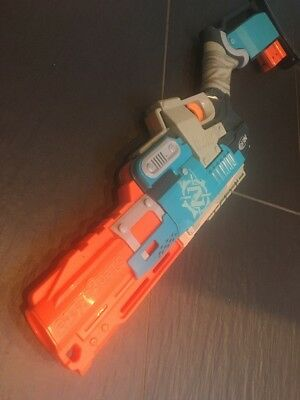NERF Zombie Strike SLEDGEFIRE  Blaster SLEDGE FIRE With 2 Shells And Elite Ammo