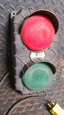 FUN mini traffic light Stop-Go Loading Dock Safety (man cave, she shed, dorm)