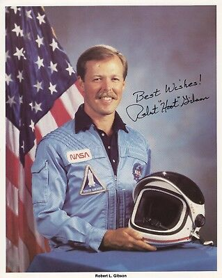 ROBERT GIBSON HAND SIGNED 8x10 COLOR PHOTO+COA          GREAT NASA ASTRONAUT
