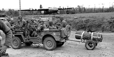 WW2 WWII Photo World War Two US Army Glider Troops Jeep  Willys Ford   / 3148