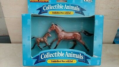 "Ertl ""Farm Country"" Collectable Animals ""standardbred mare with foal"