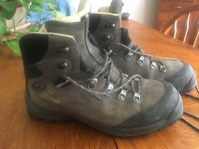 54cbfee10a9 MENS REI HIKING Boots 9.5