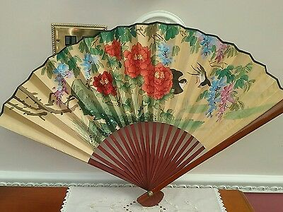Vintage Chinese bamboo and paper hand fan