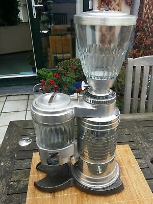 Vintage coffee grinder (commercial)