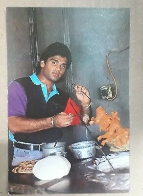 Image result for Suniel shetty at restaurant cooking