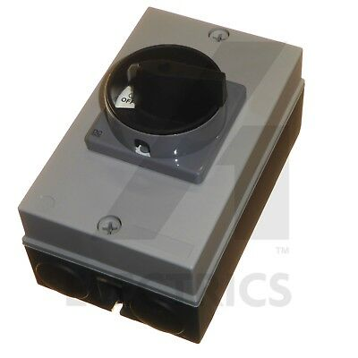 2 Pole DC Safety Switch Rotary Isolator 16A at 700V IP65 Weatherproof Solar PV