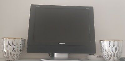 Palsonic LCDTV/DVD Combo TFTV1920D 19inch screen Pre-owned, Excellent Condition.