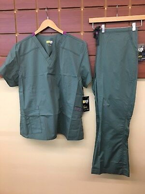 NEW Wink Wonder Flex Sage Solid Scrubs Set With 2XL Top & 2XL Petite Pants NWT