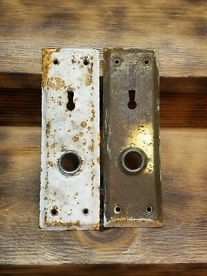 2 ANTIQUE VINTAGE SHABBY DOOR KNOB LOCK KEY HOLE PLATE PARTS steampunk