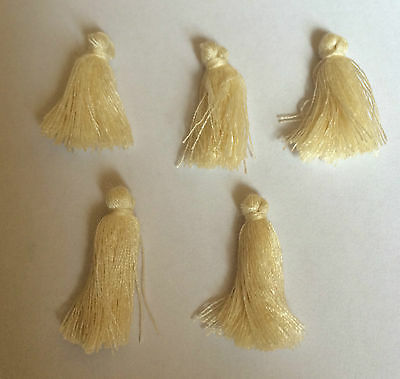 10 x Cream Coloured Mini Cotton Tassels For Craft & Jewellery Making. Size 25mm.