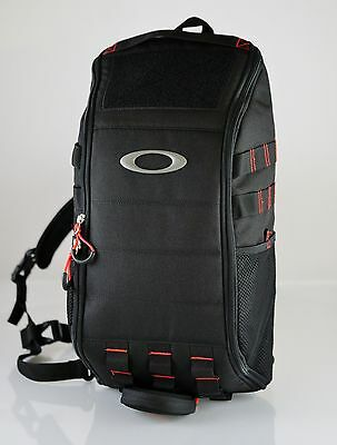 Oakley Extractor Sling Pack Black  Work College Carry On Hiking Travel Brand New