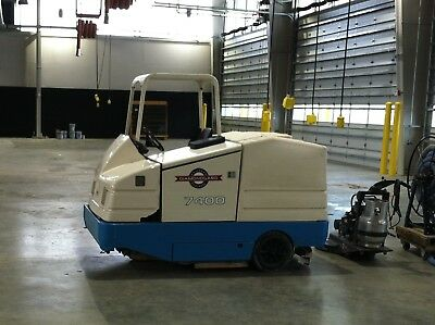 Tennant 7400 Industrial Riding Floor Scrubber - Factory and Warehouse Cleaning