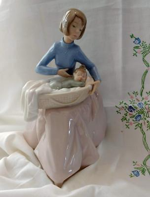 RETIRED 1994 NAO Lladro MOTHER CHILD Bundle of Love PRISTINE 1214