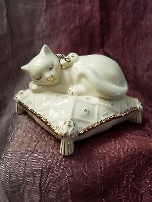 Lenox Classics Dreaming Away Ivory Cat Figurine Sleeping on Pillow COA