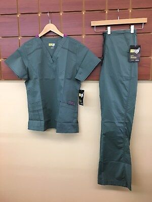 NEW Wink Wonder Flex Sage Solid Scrub Set With Medium Top & Medium Tall Pant NWT
