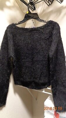 New w/ Tag Capezio LONG SLEEVE CROP TOP High Low Color: Black Size: XL