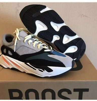 196afa47a907c 100% AUTHENTIC Adidas Yeezy Boost 700 Wave Runner Size US Mens 9 Brand New