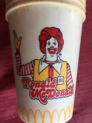 ~VINTAGE 1970's (RONALD)McDONALD's set of 21-9 oz. Dixie Cups American Can Co