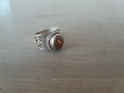 vintage silver 925 ring  WITH OPAL size: 10 amber?