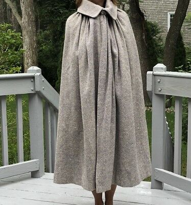 Vintage Handmade Herringbone Wool Middie Cape Lined Queens collar shin length