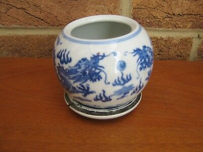 19c CHINESE BLUE/WHITE DRAGON VASE 4 CHARACTER MARKS ON BASE