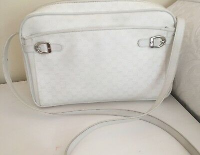 Genuine Gucci Vintage 1980 s White GG Canvas   leather Cross Body   Messenger Bag c738a9ce5bbf