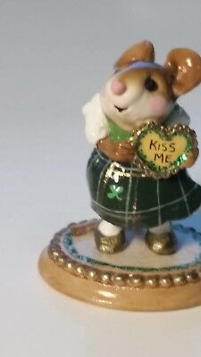 Wee Forest Folk Figurine M-80 From the Heart SPECIAL kiss me St. Patrick's Irish