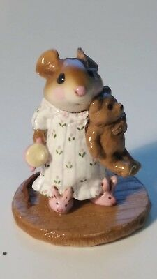 Wee Forest Folk Figurine M-218 Mousey's Bunny Slippers 1996 William Petersen