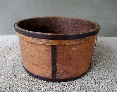 Antique Dry Measure 12 Quart Primitive Country Round Farm Grain Box Vintage Wood