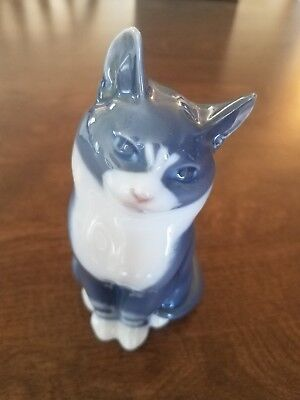 Royal Copenhagen Gray Cat Figurine -- #1805   5 1/2 tall""