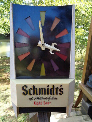 VTG Schmidt's Light Beer Lighted Pendulum Clock Bar Sign Retro c1969 ADVERTISE