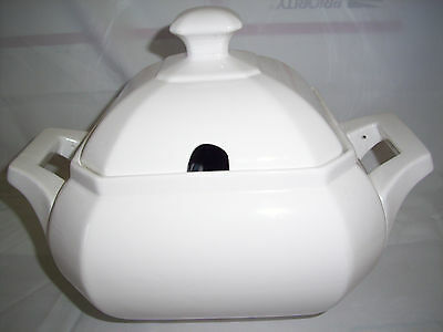 white ceramic soup tureen with lid octogonal stamped HC on bottom