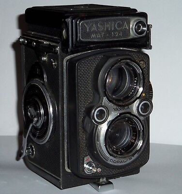 YASHICA MAT 124 Converted to use 1.5 volt battery  USER CONDITION