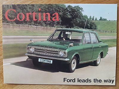 No 71 Ford Cortina No II Saloon VF23PC Vintage Ad Gallery Postcard Mint Unused