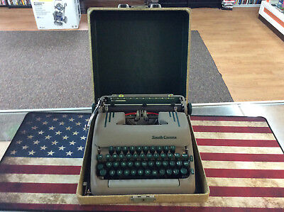 Vintage Smith-Corona Silent-Super Typewriter in tan case good condition
