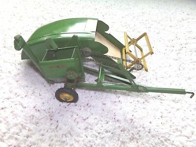 Vintage Eska/ertl John Deere Chain Driven Combine/auger Head Pull Type Farm Toy