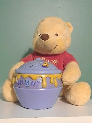 Cloud B Winnie the Pooh Dreamy Stars Soother Baby Infant Crib Projector Light