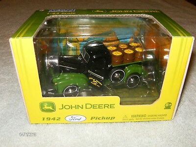 John Deere 1942 Ford Pickup Die Cast 1:43